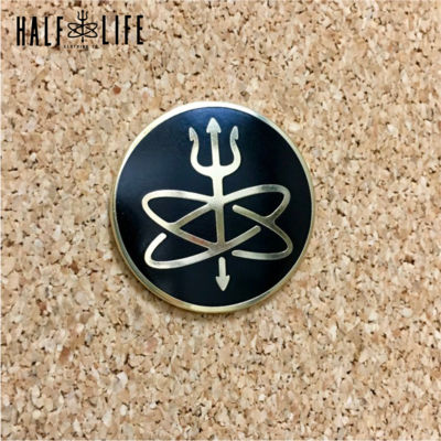 Half-Life Clothing Accessories: Decals, Pins, Thumbnail